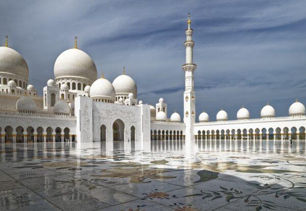 UAE-by Makalu